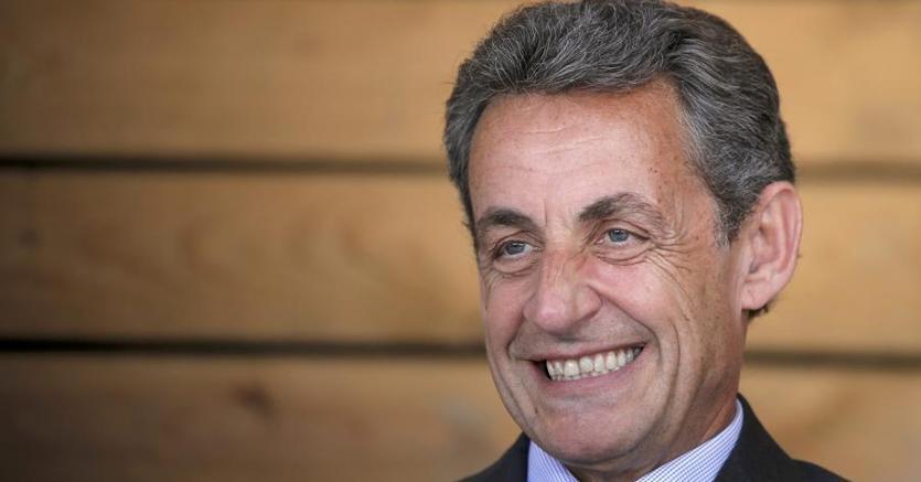 Francia, Sarkozy correrà per le presidenziali del 2017